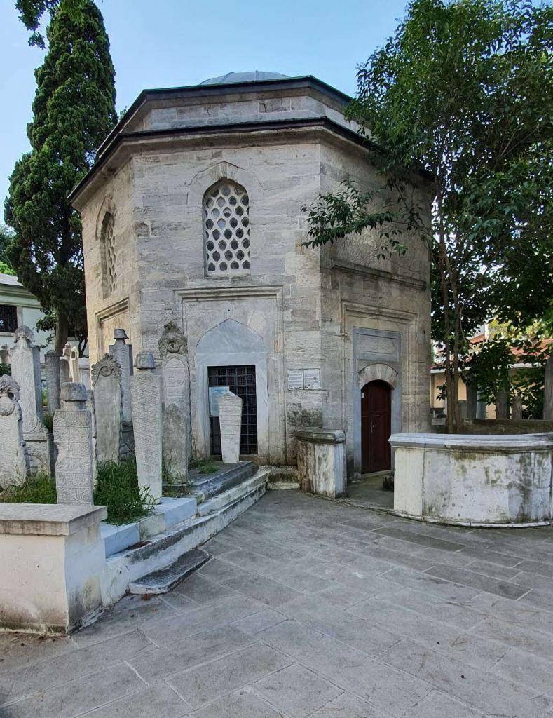 Hacı Ahmet Paşa türbesi (1577) 1